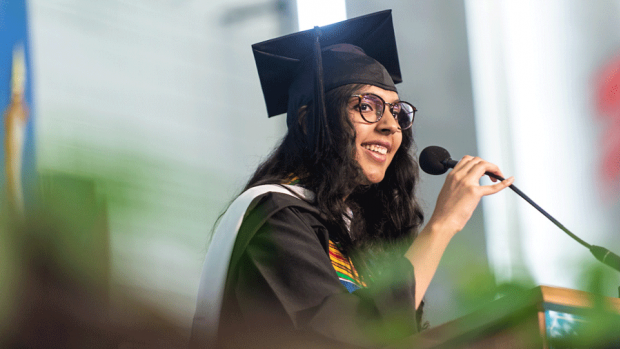 Photo of Aiza Amjad Malik '18 giving the student address at the 2018 Commencement ceremony