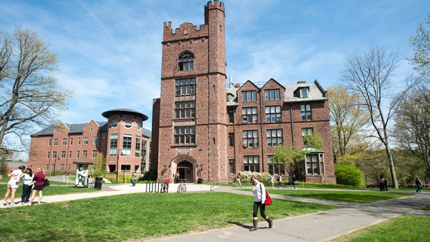 Students on the campus of Mount Holyoke College. Photo by Michael Malyszko.