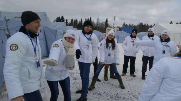 Juli exercising with the Arctic team