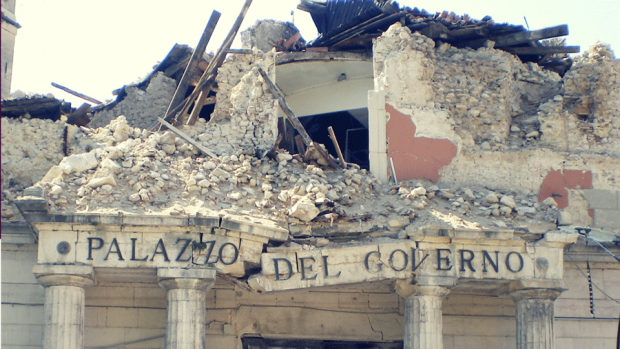 Photo of a crumbled building after the earthquake in L'Aquila