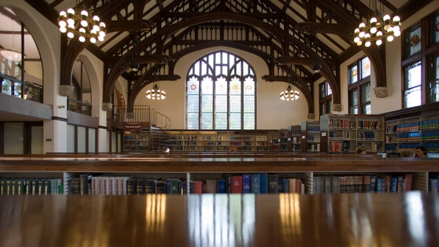 Mount Holyoke College Library reading room. Photo by Michael Malyszko