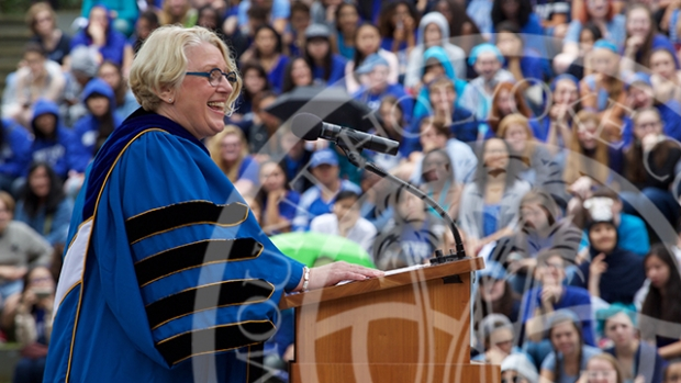 Photo of Acting President Sonya Stephens giving the 2016 Convocation speech