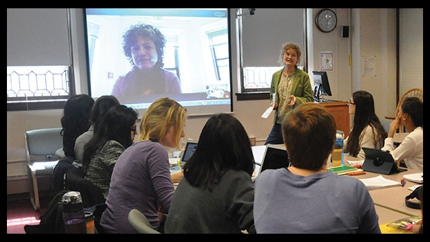 Image of Nicole Doerr in class with students.