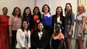 Alumnae and students in MHC in DC. Photo by Jenny Watermill.