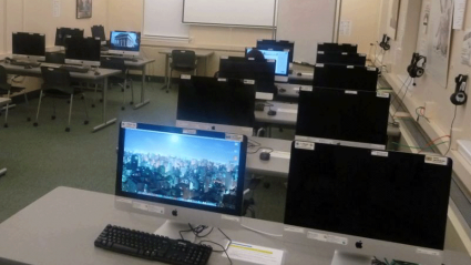 Photo of the LRC Computer Lab